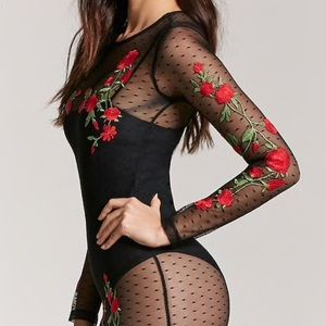 Sheer mesh red rose embroidered dress. NWT! 🌹